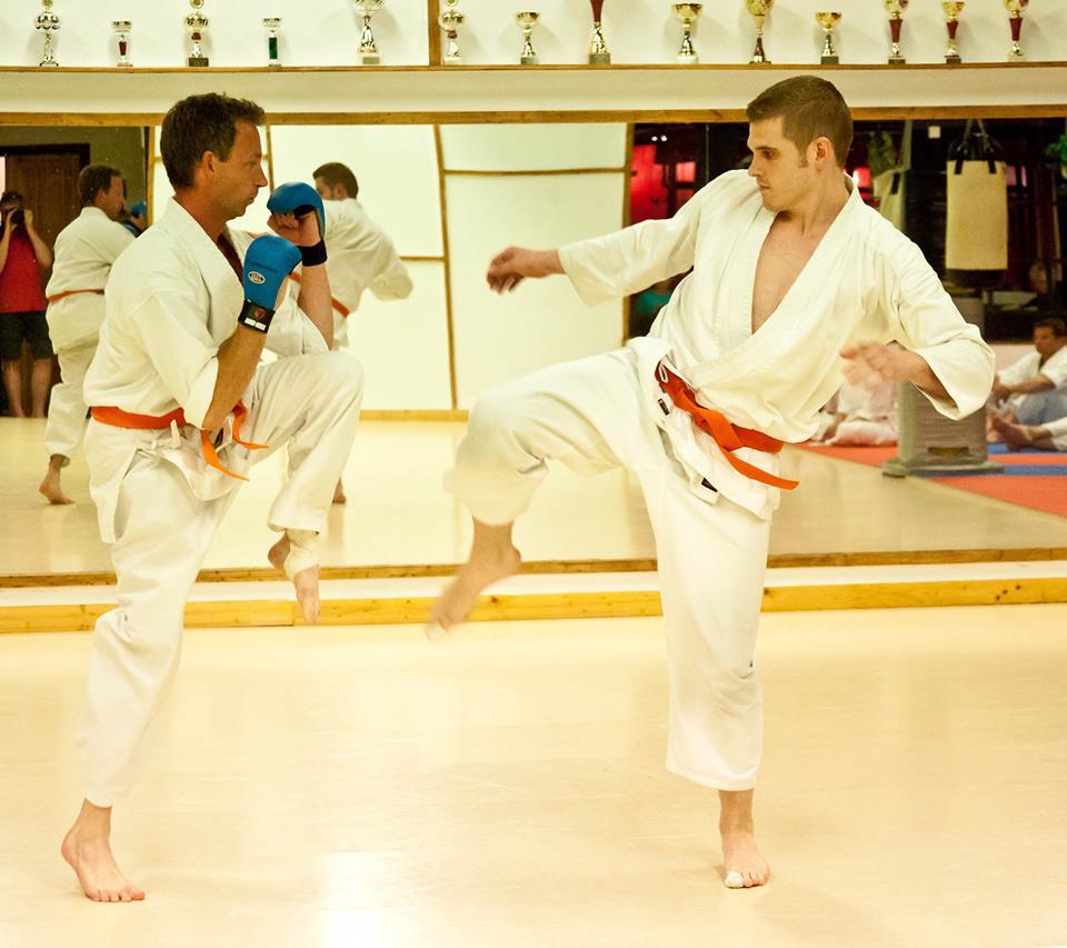 Gradering Västerås Karatecenters dojo
