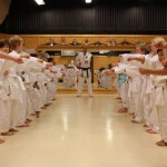 Västerås Karatecenter  barnträning med erfaren svartbältare