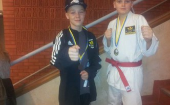 simon ericsson medaljör på Karate Kid Cup
